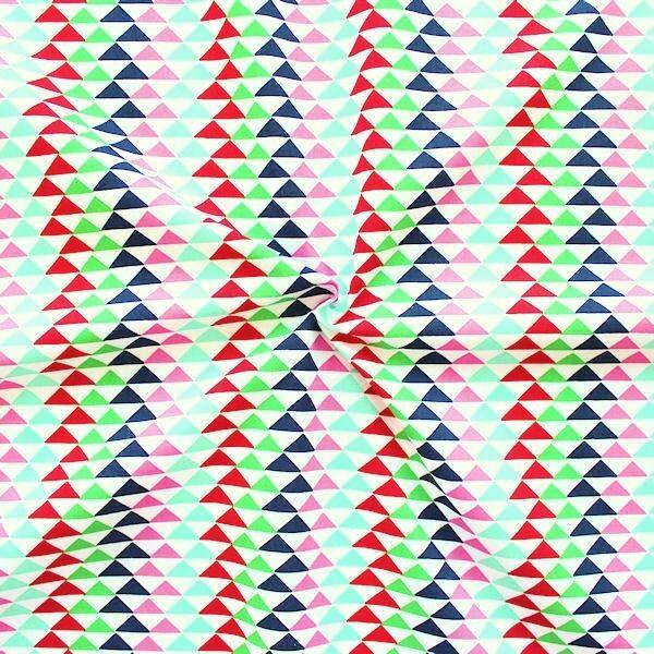 """100% Baumwolle Popeline """"Grafik Triangel"""" Farbe Weiss"""
