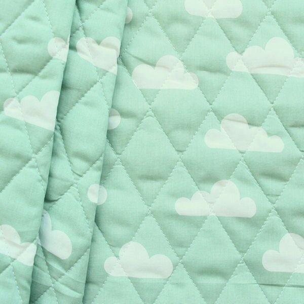 Wattierter Steppstoff in Mintgrün mit Wolken
