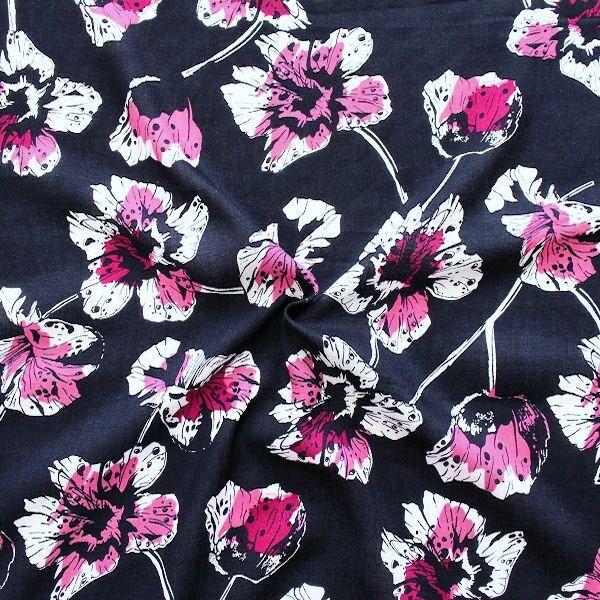 Viskose Javanaise Pink Blossom Dunkel-Blau