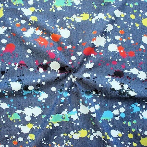 Jeansblauer Chambray mit Farbklecksen