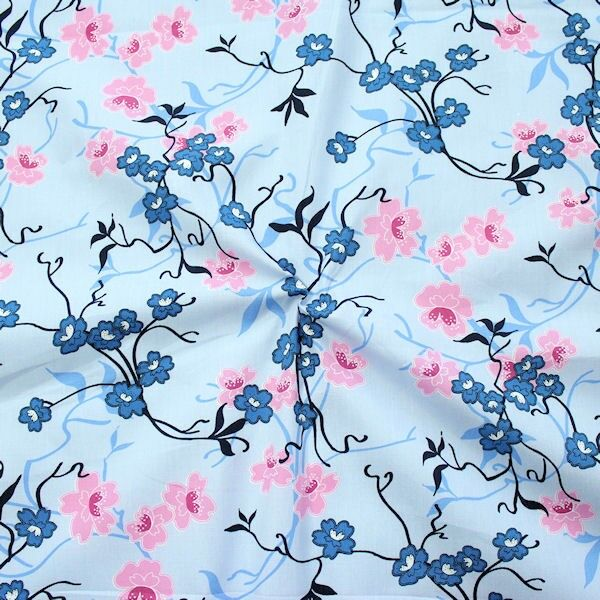 100% Baumwolle Popeline Lotusblumen Ranken Hell-Blau