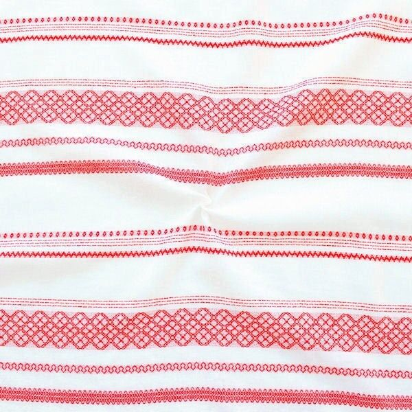 Modestoff Dekostoff Jacquard Folklore Stickerei Weiss-Rot