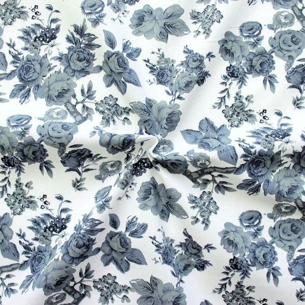 """100% Baumwollstoff """"Rosen 1"""" Farbe Grau-Blau Weiss"""
