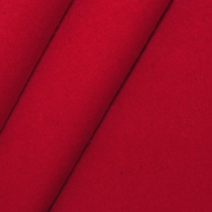 Roter Deko-Molton schwer entflammbar nach B1