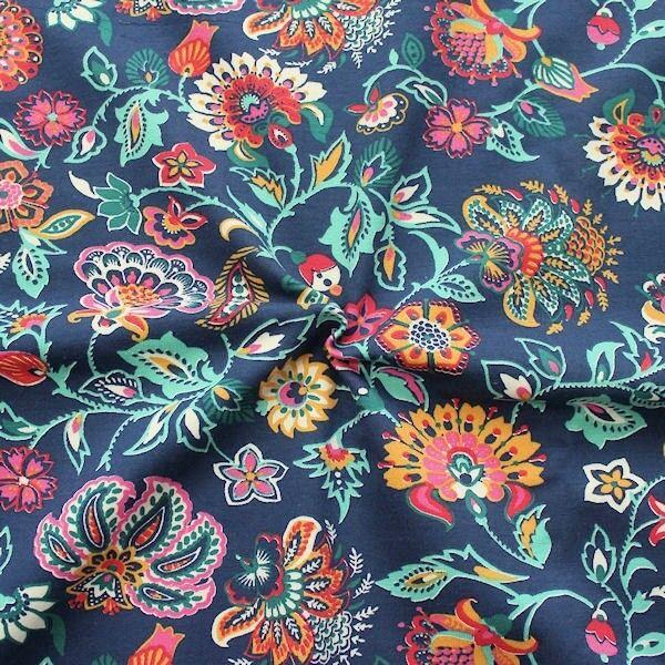 "Sweatshirt Baumwollstoff French Terry ""Fabulous Flowers"" Farbe Dunkel-Blau"