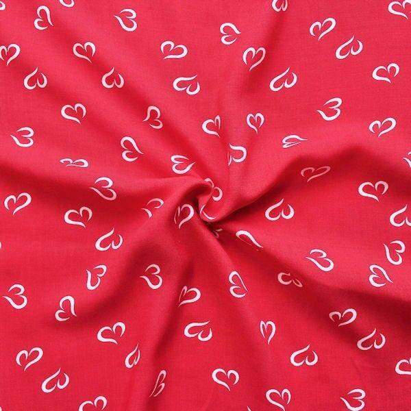 Roter Viskose-Musselin mit Herzen