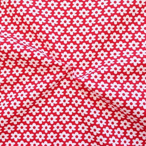 Rote Baumwoll-Popeline mit weißen Blumen