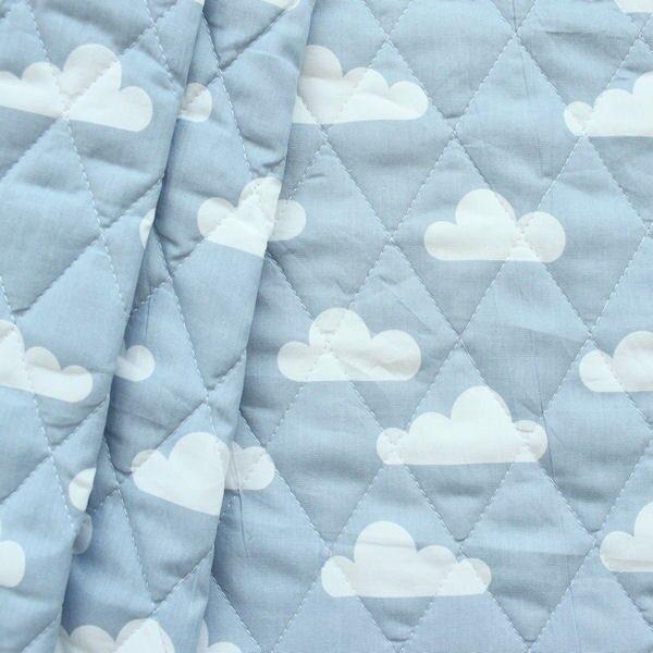 Steppstoff wattiert Wolken Hell-Blau
