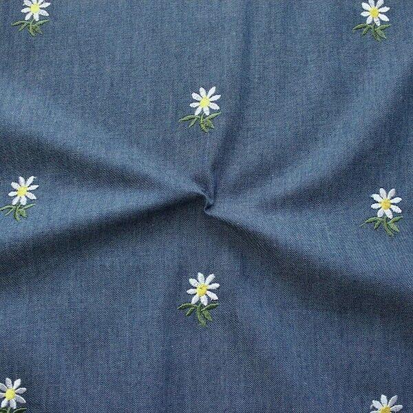 Baumwollstoff Chambray bestickt Gänseblümchen Jeans-Blau