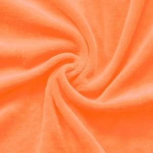 Orangefarbener Nicki