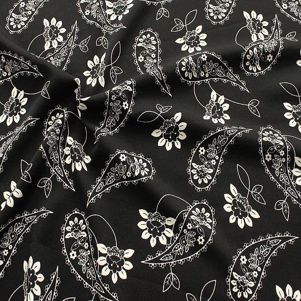 Boho-Stoff in Schwarz und Weiß