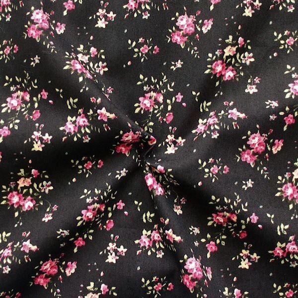 100% Baumwolle Popeline Little Roses Schwarz