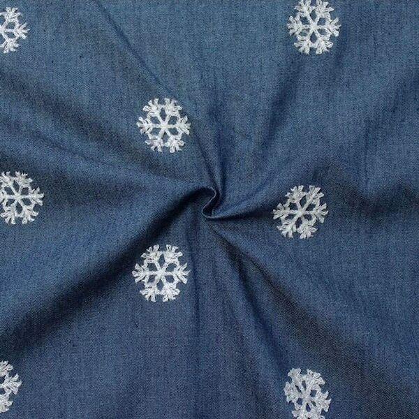 """100% Baumwollstoff Chambray bestickt """"Schneeflocken"""" Farbe Jeans-Blau"""